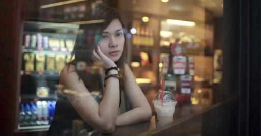 13834-girl-woman-waiting-watch-look-bored-food_1200w_tn
