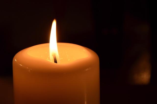 candle-1342414_640